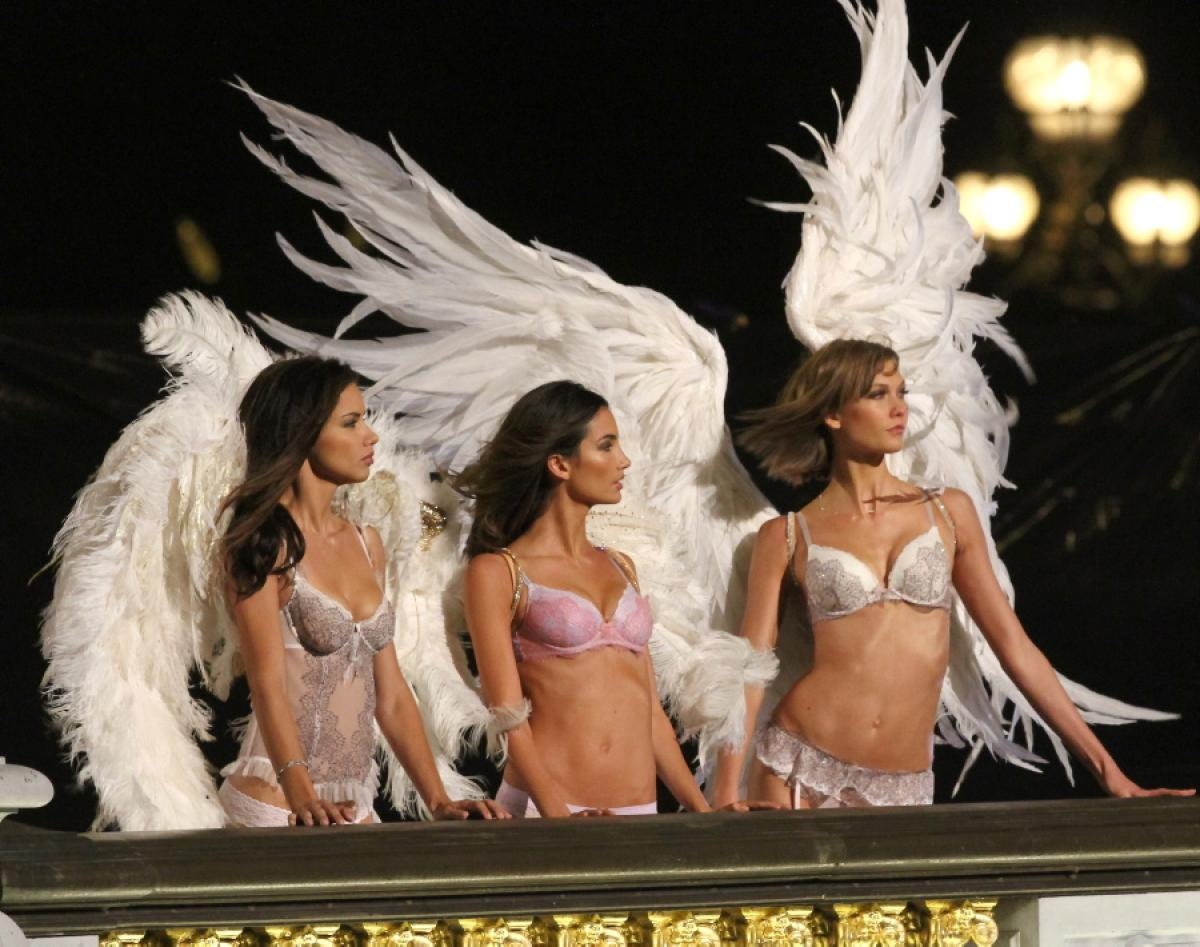 victoria-secret-angels-paris